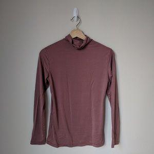 Uniqlo HeatTech Turtleneck shirt Size Medium